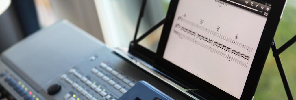Keyboard mit iPad als Notenblatt